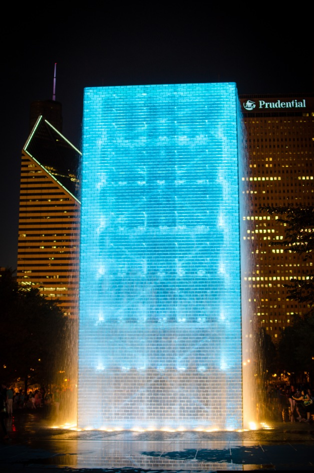 Fountain Architecture lit up in Chicago